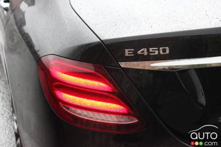 2020 Mercedes-Benz E 450, rear light