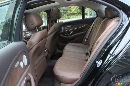 2020 Mercedes-Benz E 450, second row