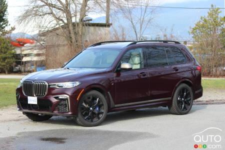 2020 BMW X7 M50i, three-quarters front