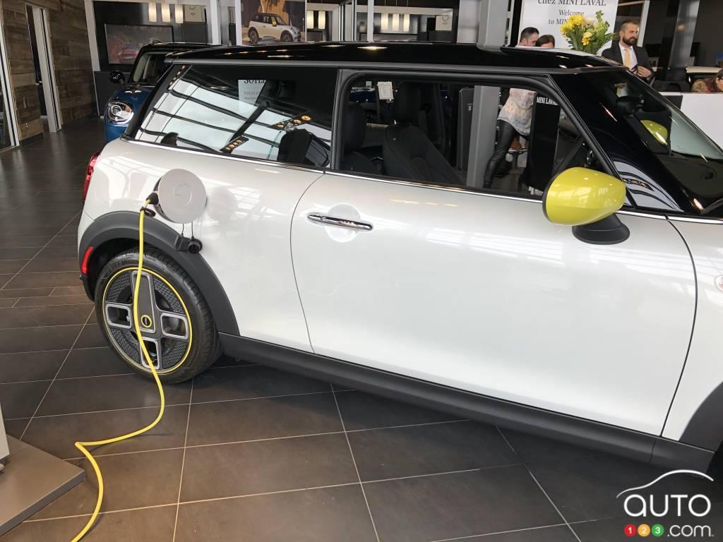 Mini Cooper SE, au chargement