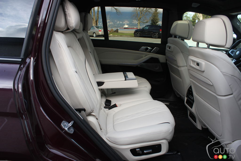 BMW X7 M50i 2020, 2e rangée