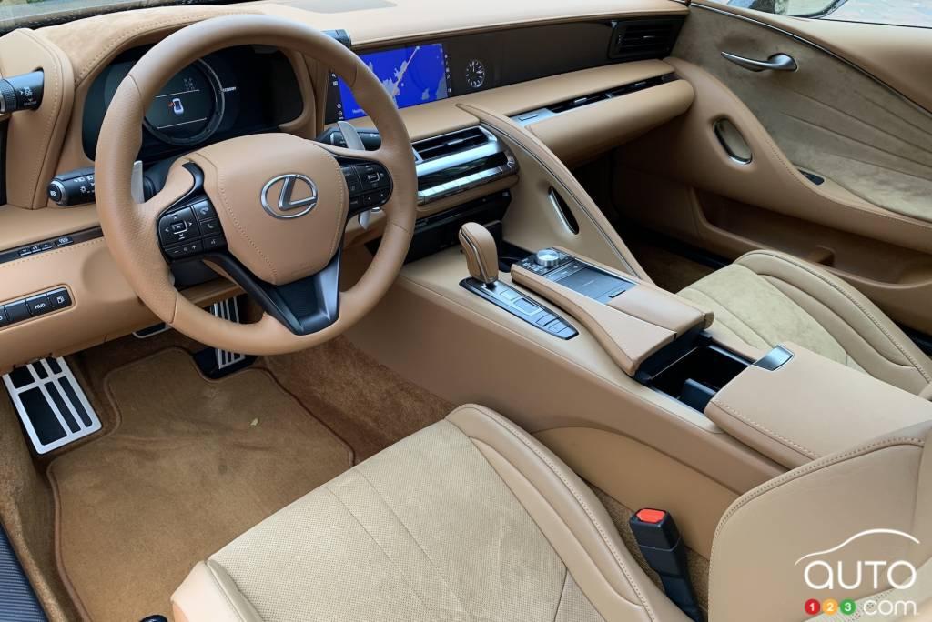 Lexus LC 500 2021, intérieur