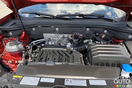 V6 engine of the 2020 Volkswagen Atlas Cross Sport