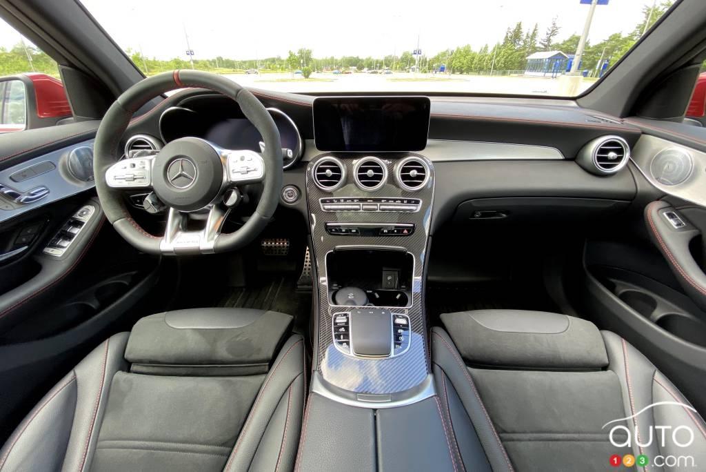 Mercedes-AMG GLC 43 2020, console central