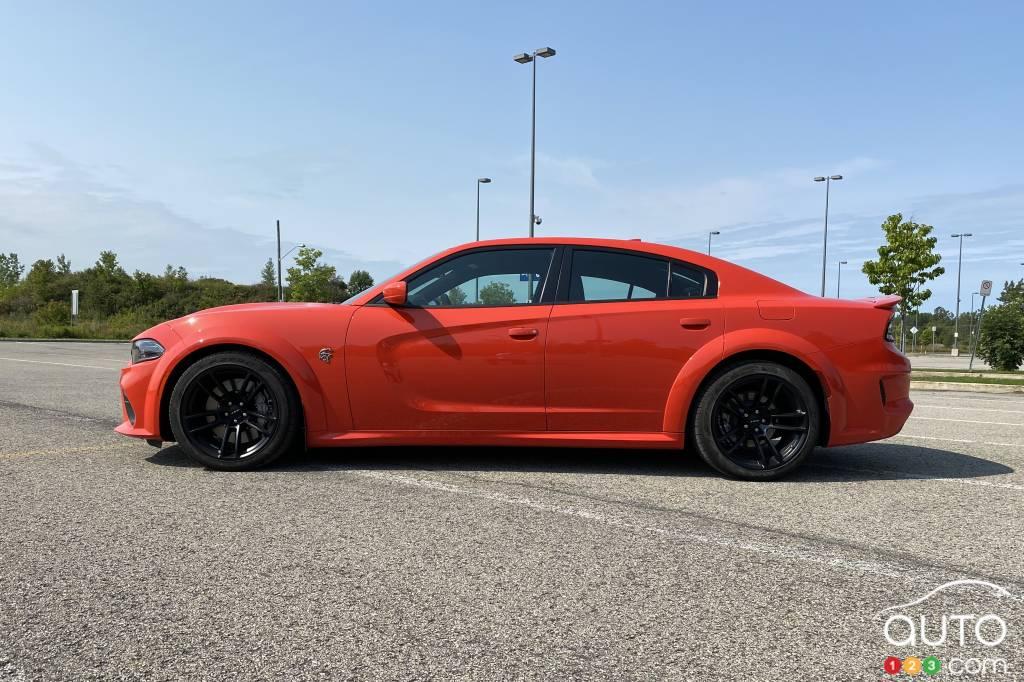 Dodge Charger SRT Hellcat Widebody 2020, profil