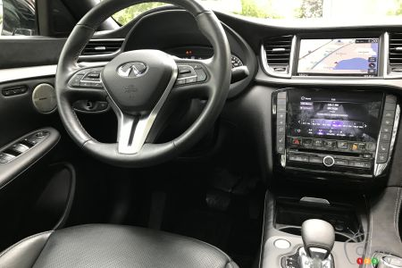 2020 Infiniti QX50, steering wheel. central console