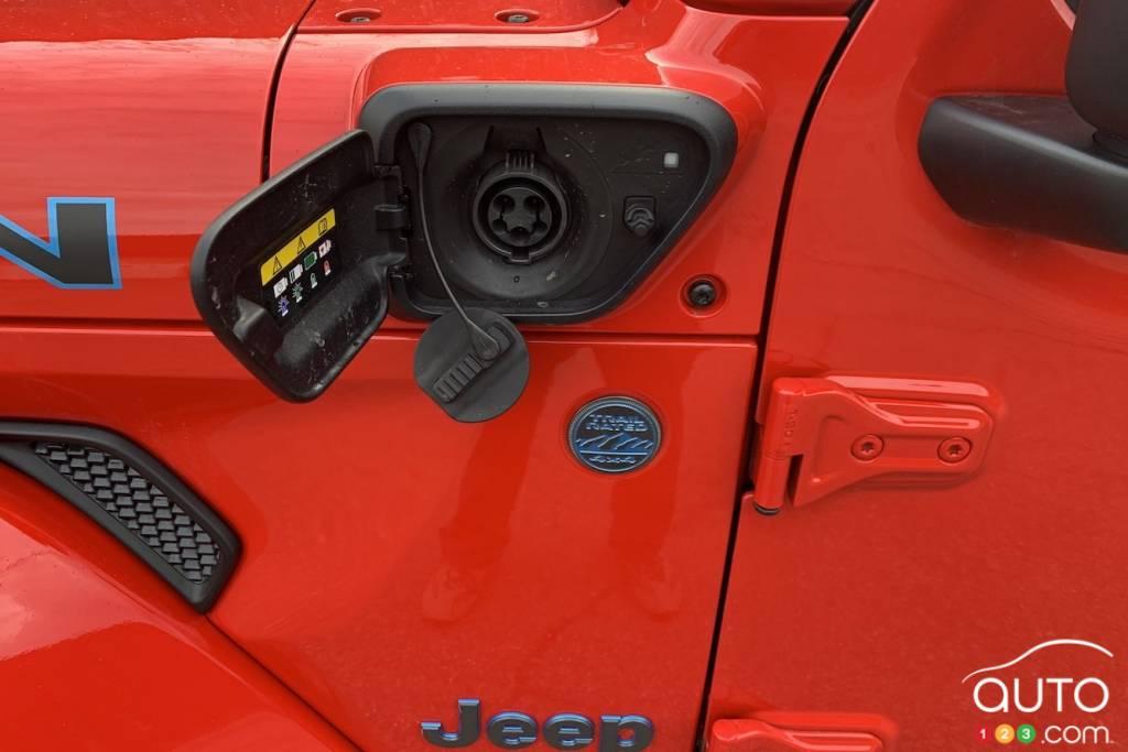 Jeep Wrangler 4xe, port de chargement