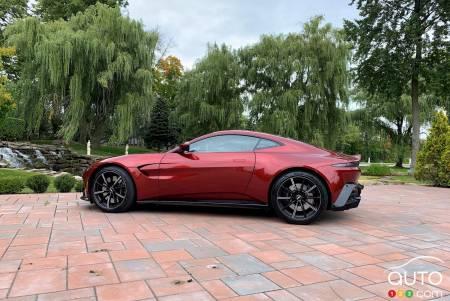2020 Aston Martin Vantage, profile
