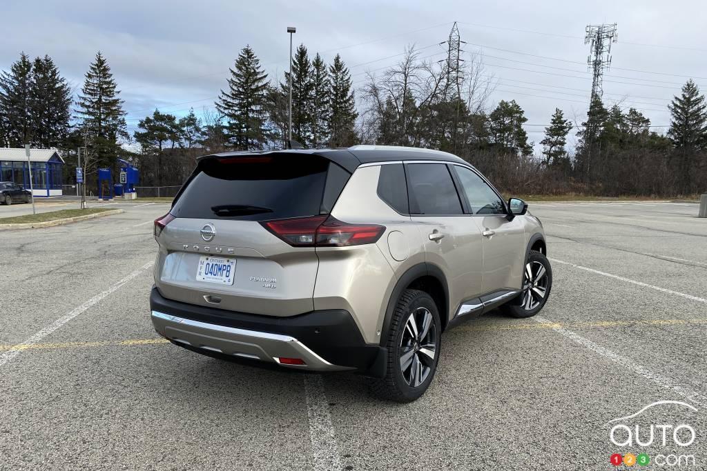 Nissan Rogue, trois quarts arrière