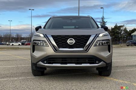 2021 Nissan Rogue Platinum, front