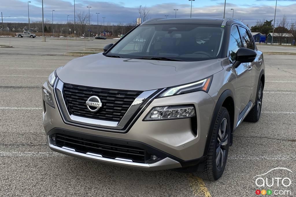 Nissan Rogue Platinum 2021, calandre