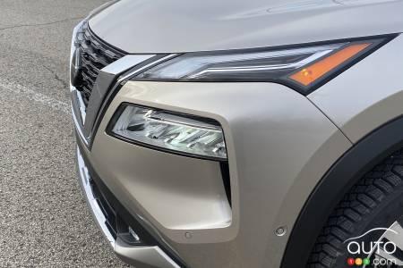 2021 Nissan Rogue Platinum, headlight
