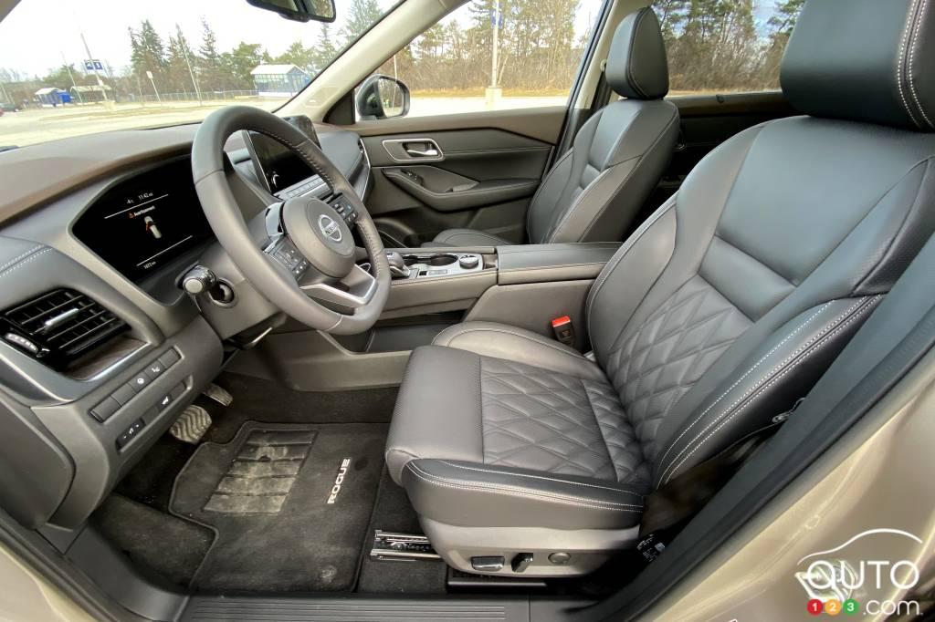 Nissan Rogue, première rangée de sièges