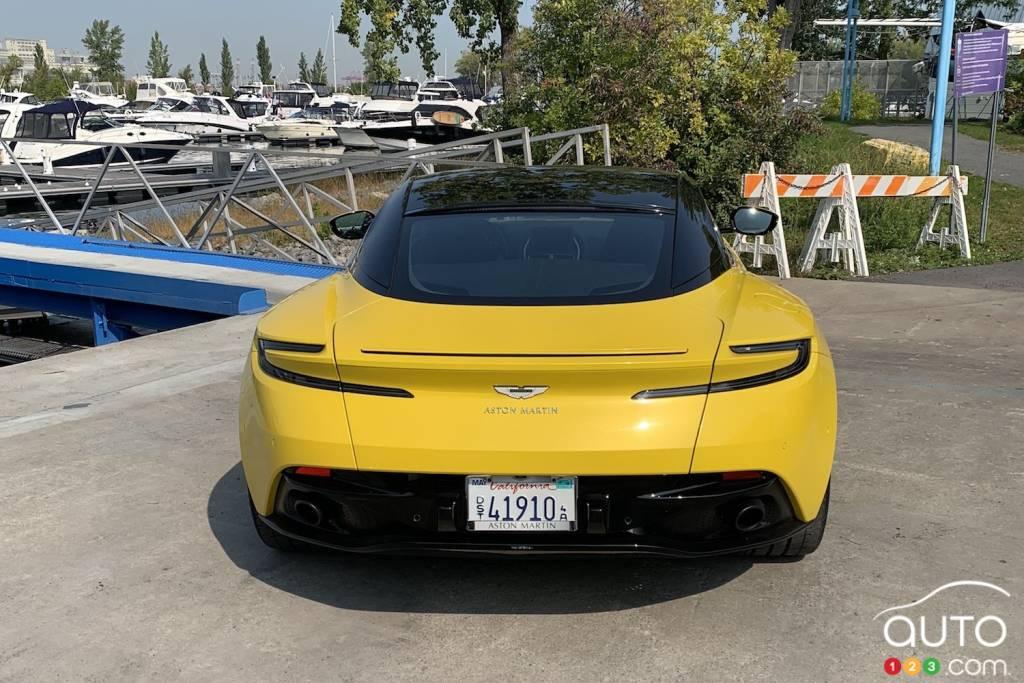 Aston Martin DB11 2020, arrière