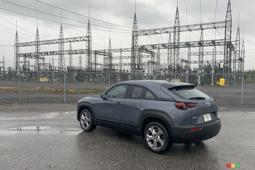 Mazda MX-30 2022, trois quarts arrière