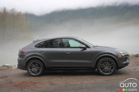 2020 Porsche Cayenne S Coupe, profile