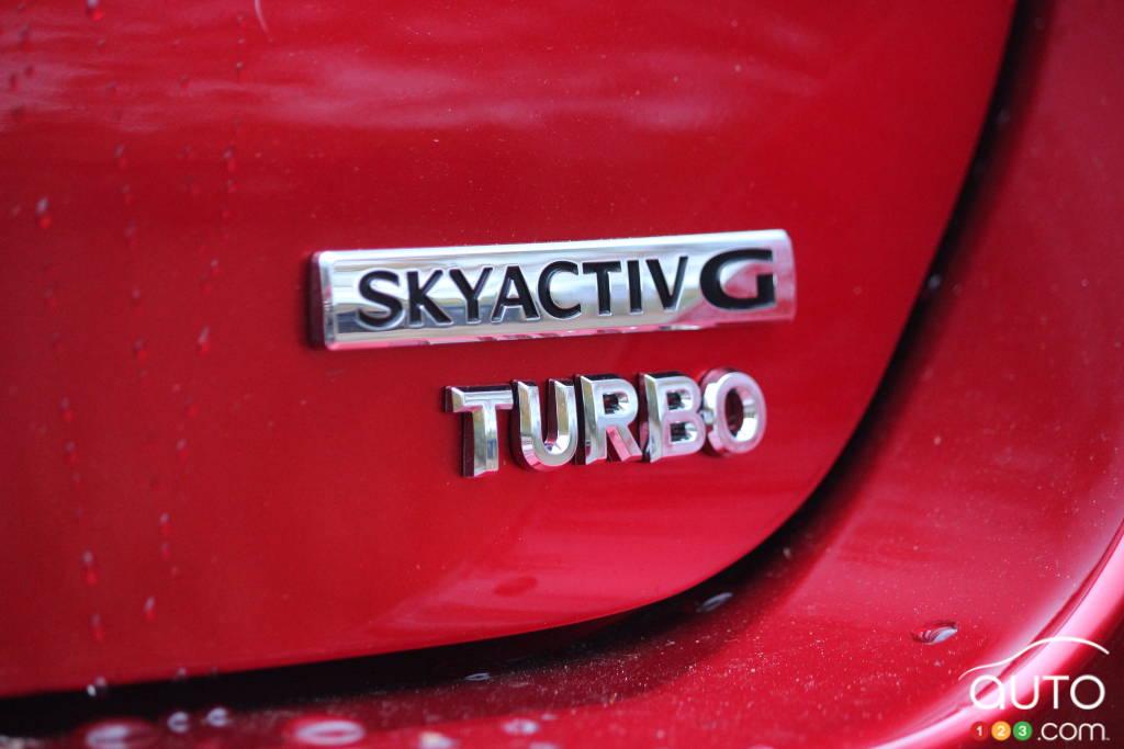 La Mazda3 Turbo 2021, écusson
