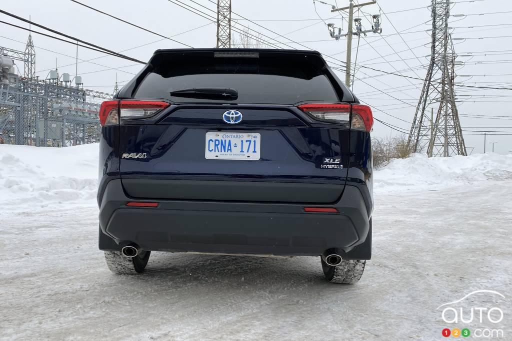 Toyota RAV4 hybride 2021, arrière
