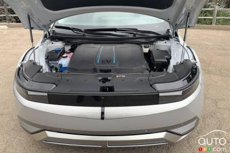 2021 Toyota RAV4 Hybrid, front