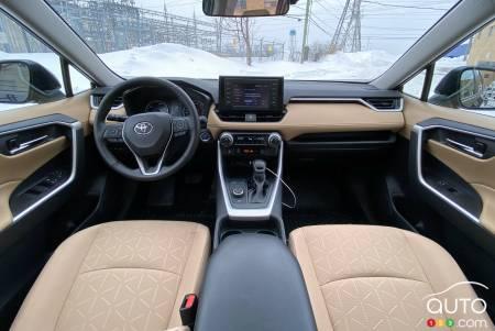 2021 Toyota RAV4 Hybrid, interior