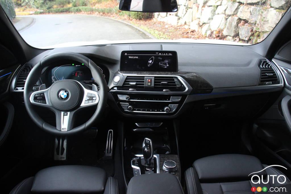BMW X3 xDrive30e, intérieur