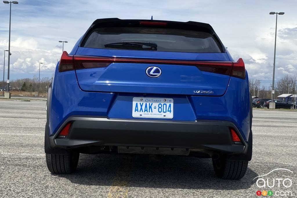 Lexus UX 250h 2021, arrière