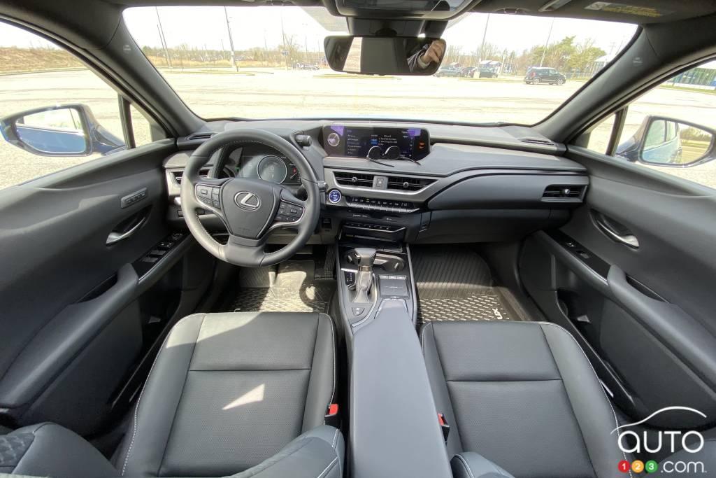 Lexus UX 250h 2021, intérieur