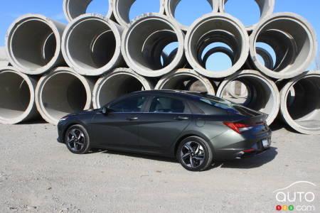 2021 Hyundai Elantra, three-quarters rear