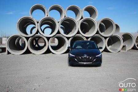 2021 Hyundai Elantra, front