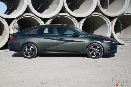 2021 Hyundai Elantra, profile