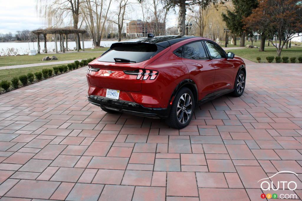 Toyota Prius Prime 2021, arrière