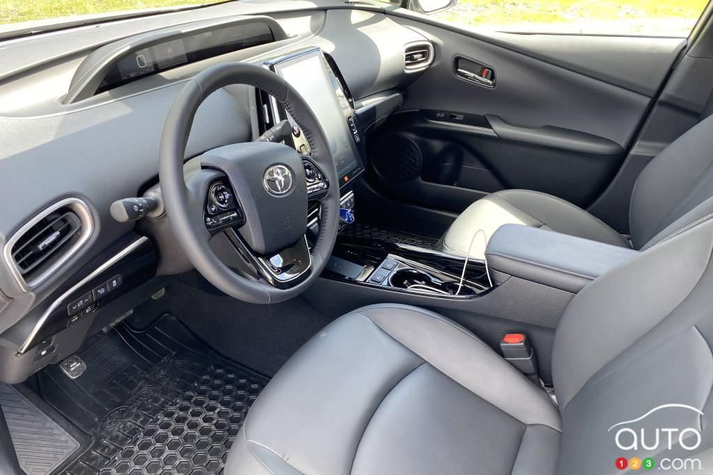 Toyota Prius Prime 2021, intérieur
