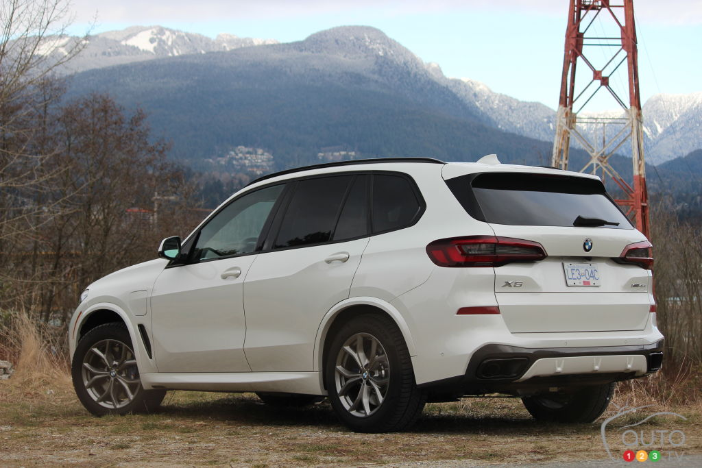 BMW X5 xDrive45e PHEV 2021, trois quarts arrière