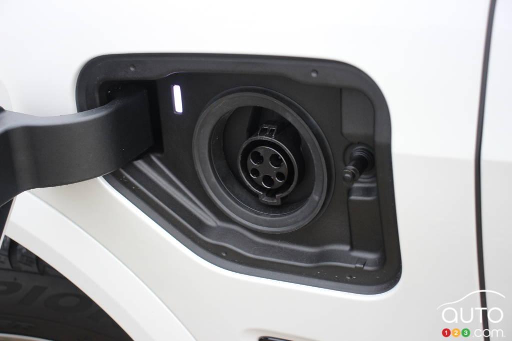 BMW X5 xDrive45e PHEV 2021, port de chargement