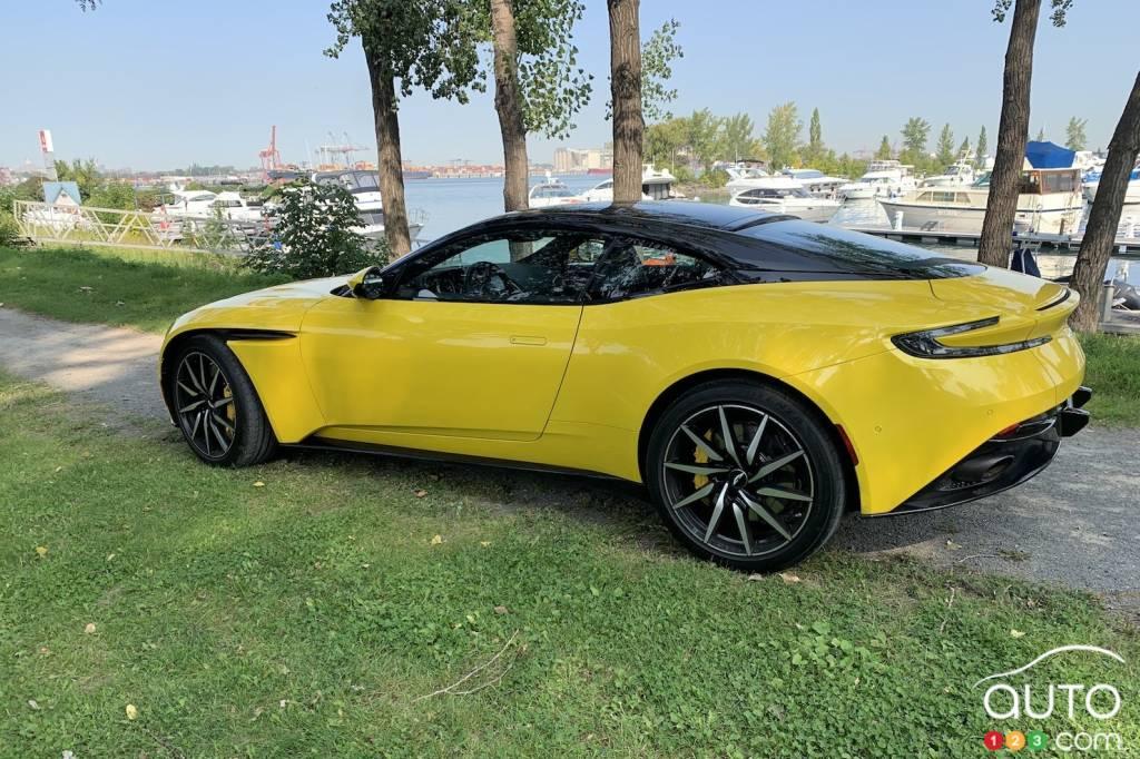 Aston Martin DB11 2020, trois quarts arrière