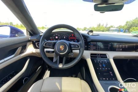2020 Porsche 911, interior