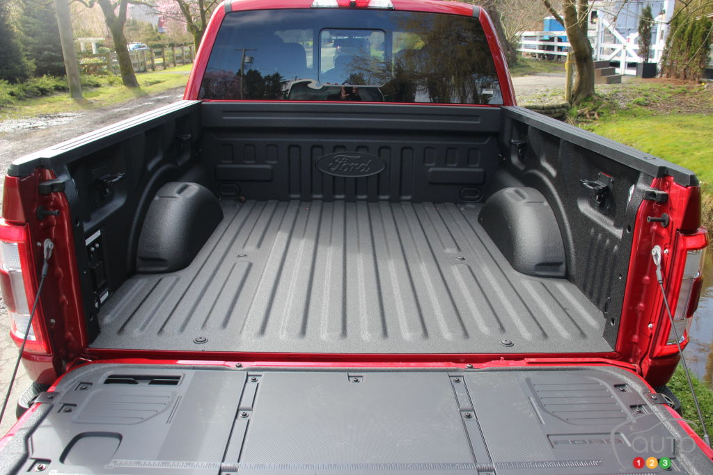 Ford F-150 PowerBoost 2021, caisse