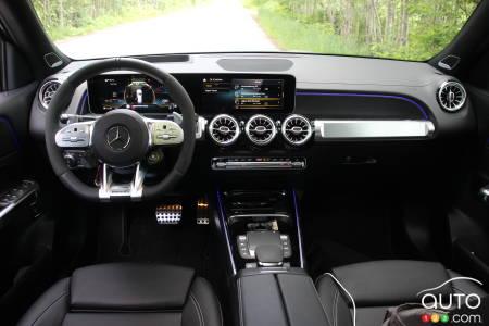 2021 Mercedes-AMG GLB 35, interior