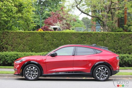 2021 Ford Mustang Mach-E, profile