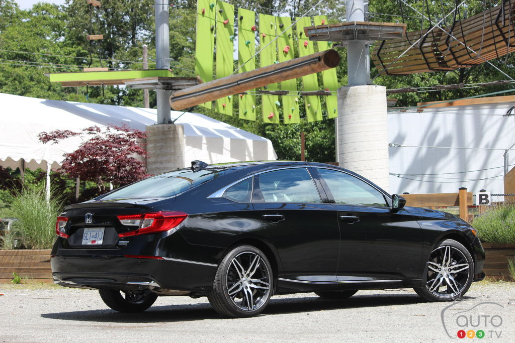 Honda Accord hybride 2021, trois quarts arrière