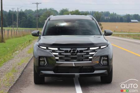 2022 Hyundai Santa Cruz, front