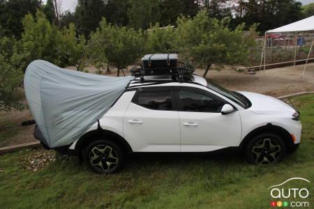 2022 Hyundai Santa Cruz, with tent