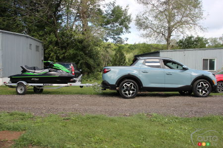 2022 Hyundai Santa Cruz, with trailer
