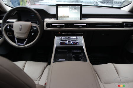 2020 Lincoln Aviator, interior