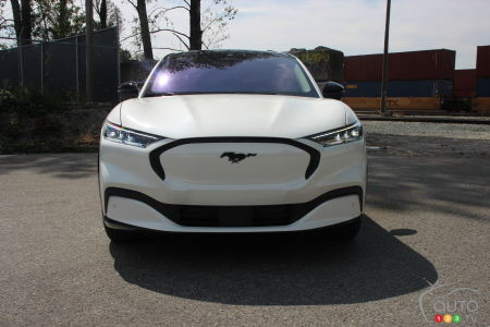 2021 Ford Mustang Mach-E, California Route 1 edition, front