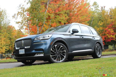 2020 Lincoln Aviator, three-quarters front