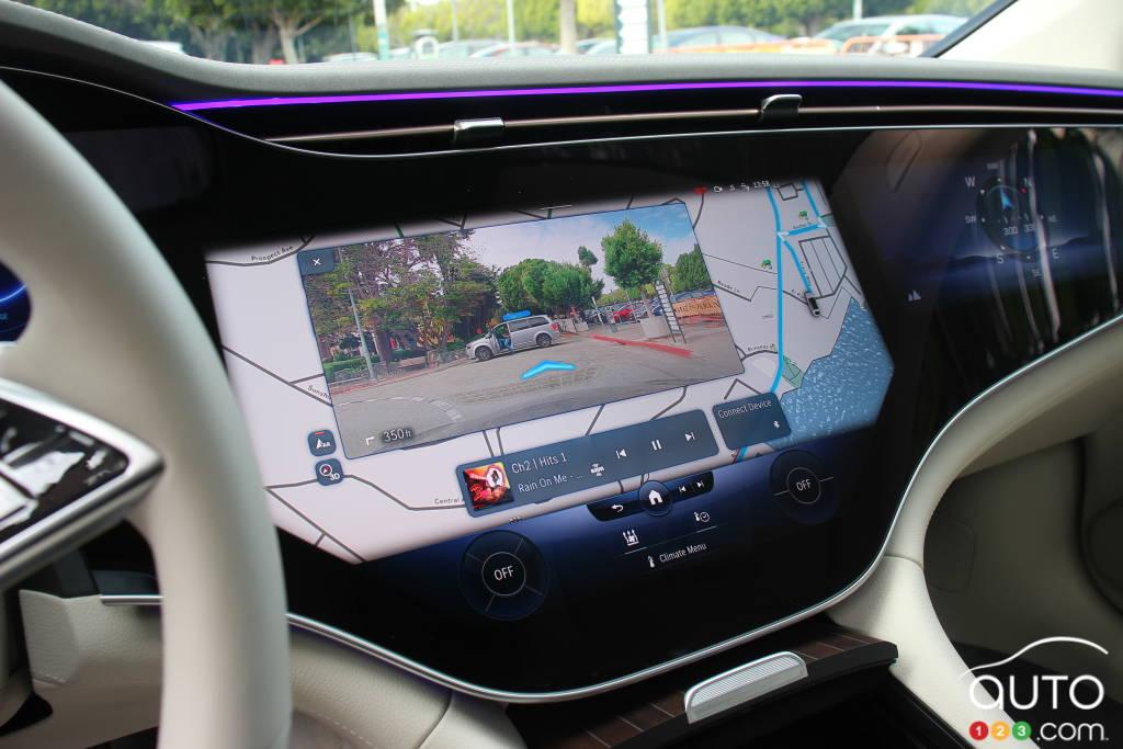 Mercedes-EQ EQS 580 4Matic 2022, écran principal