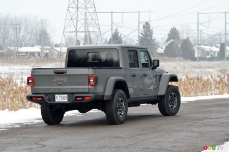 2021 Jeep Gladiator Mojave, three-quarters rear
