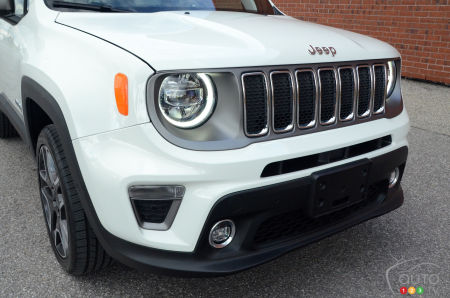 2020 Jeep Renegade, front grille