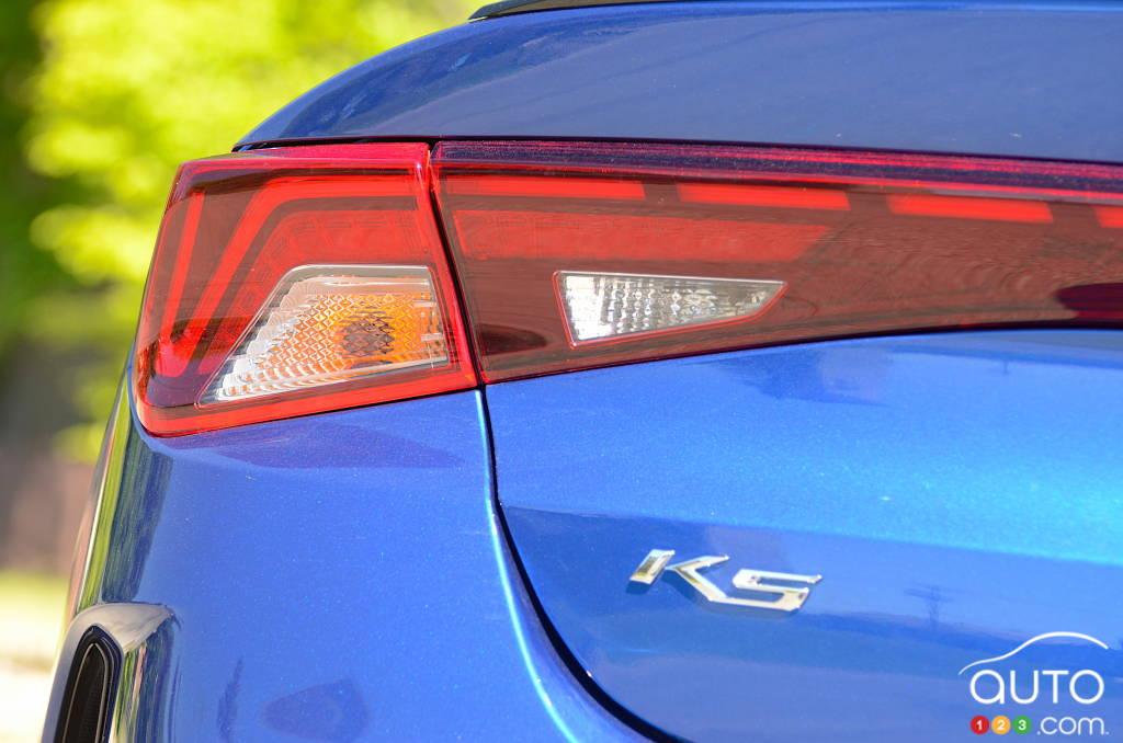 Kia K5 GT 2021, feu, écusson